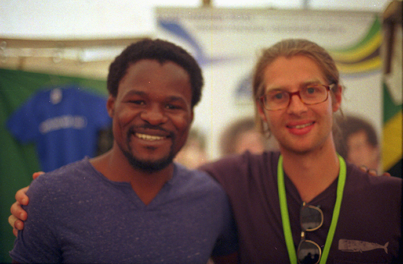 Mkina (30, Tanzania) and Sebastian ( 30, Finnland) <br> <small>  Since 40 years the Tanazania-Finland association is helping people living in both countries. They were present in the festival to promote some products and get some founding to keep their social projects going on.</small>